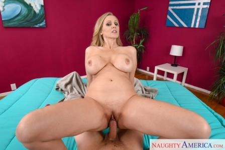 NaughtyAmericaVR - Pitching a Tent