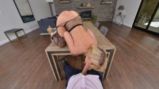 NaughtyAmericaVR Three Hole Girl Kayla Kayden